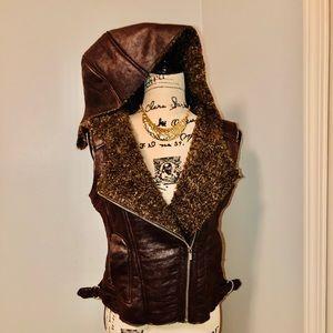 (black rivet) Hooded Vest